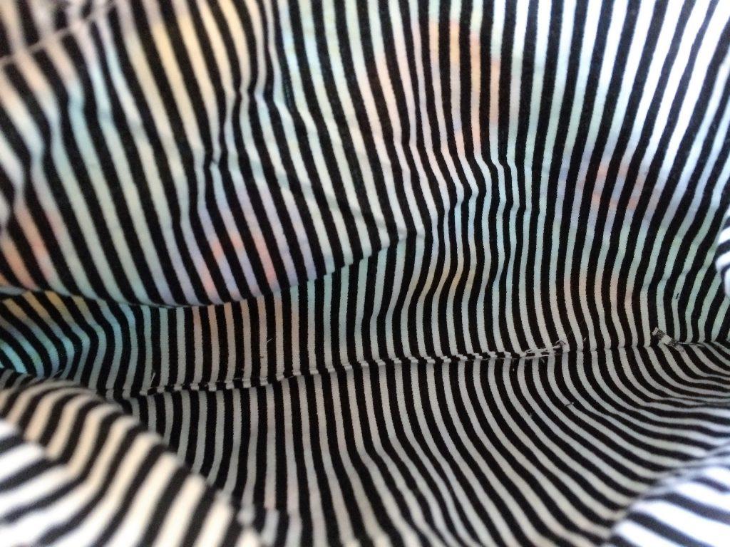 Reißverschluss Täschen nach Freebook Videoanleitung von farbenmix| Zum Nähen in den Keller