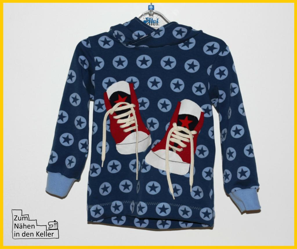Herzbube Pulli Hoodie Kapuzenpullover mit Applikation nach dem Freebook 3D Sneakers von Carlanaeht. Zum Nähen in den Keller. Free application really cool shoes with 3D effect. Schuhe, Turnschuhe.