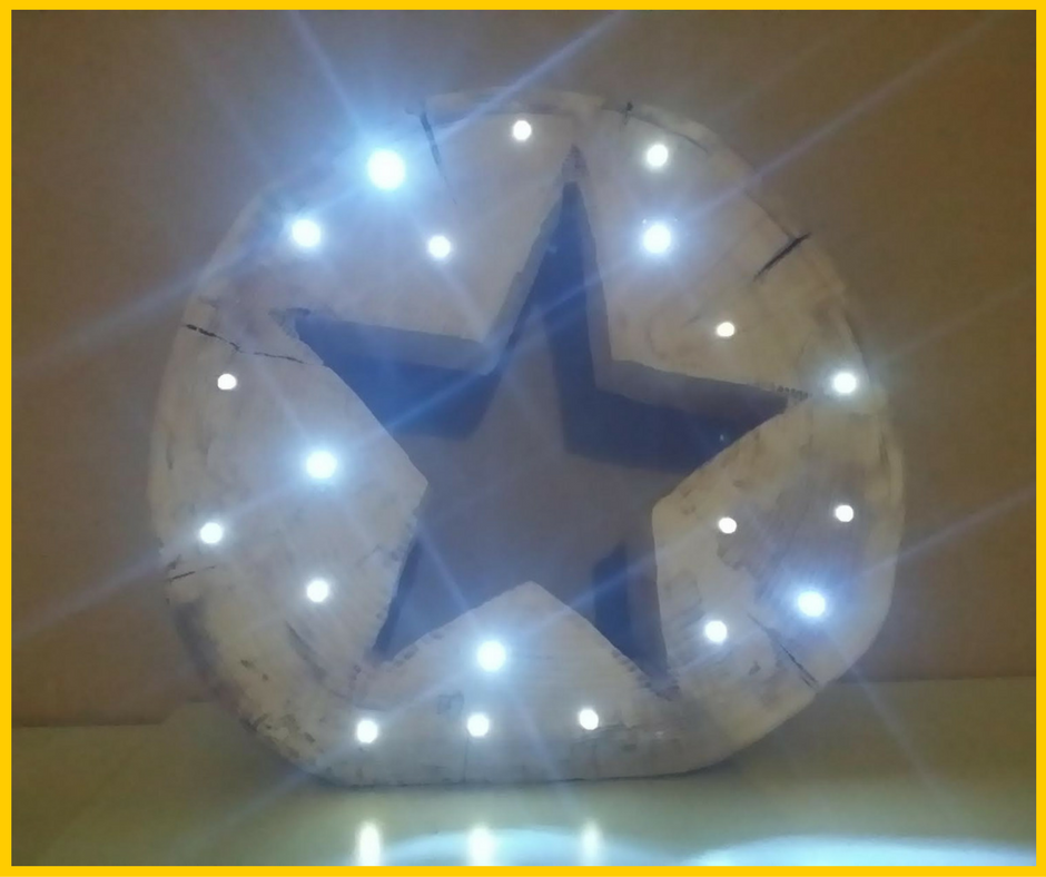 Total tolle Idee: Stern aus Holzstamm mit LED-Lichtern. Super für Weihnachten! X-Mas Christmas Star Light Wood