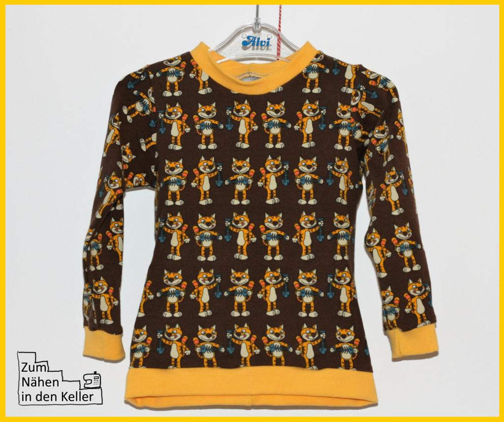 Stoffonkel Katze Kater Jersey Biostoff vernäht zu einem eaSy Shirt Langarmshirt LA-Shirt nach dem Schnitt von Leni Pepunkt für einen Jungen. Zum Nähen in den Keller