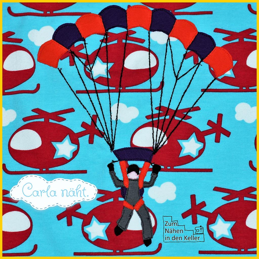 Raglanshirt klimperklein mit Hubschrauber Jersey von Michas Stoffecke. Applikation Skydiveboy Fallschirmspringer Fallschirm Gleitschirmflieger Gleitschirm Fallschirmsprung nach einem Freebie Freebook kostenlose Vorlage von Carlanaeht. Zum Nähen in den Keller. Nähen für Jungs. Sewing for Boys. parachute parachutist application freebie on shirt.