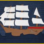 Segelschiff Segelboot sail boat Boot Schiff Segler Jolle Bark Brigg Applikation Küstenluft Herzsenbunt Design auf Raglanshirt Zum Nähen in den Keller