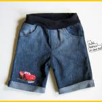 Mottis Shorts Upcycling aus alter Jeans Zum Nähen in den Keller Cars Disney Aufbügler