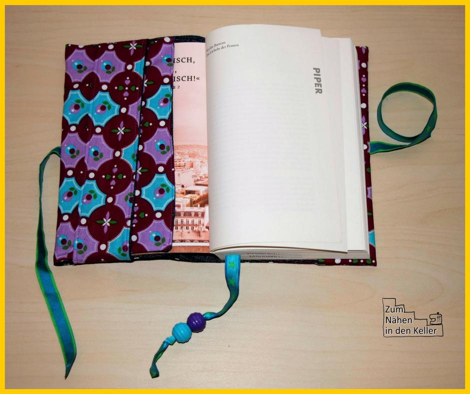 kreativbloggerwichteln bei lunaju genähte Buchhülle nach dem Freebook von Pattydoo, Nähuhr im Stickrahmen nach der kostenlosen Anleitung auf dem Bernina Blog