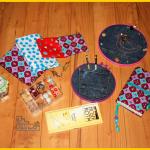 kreativbloggerwichteln bei lunaju genähte Buchhülle nach der Anleitung von Pattydoo, Nähuhr im Stickrahmen nach der kostenlosen Anleitung auf dem Bernina Blog