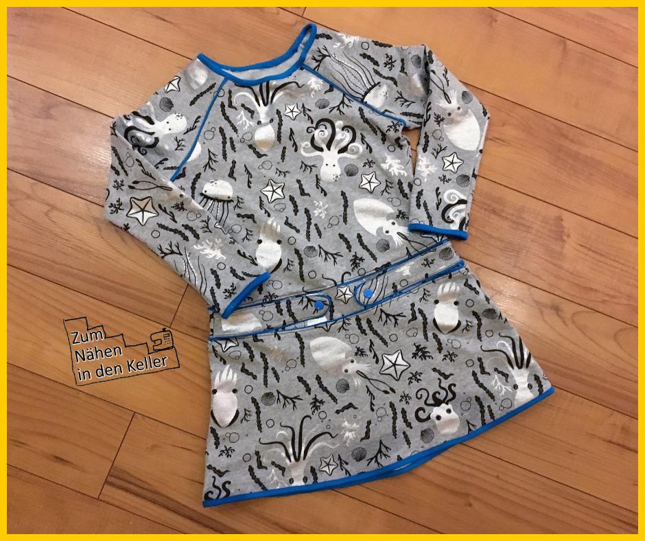 raglankleid alma retrokleid kleid von hedi näht aus sommerjersey french terry mit glitzer fische meerestiere zum Geburtstag mit Fakepaspeln zum nähen in den keller
